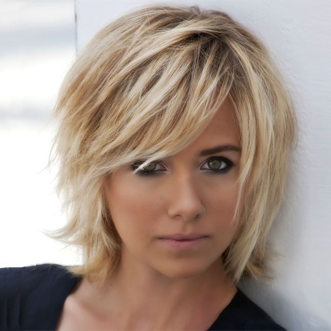 Plain Modeles Coupes Cheveux Mi Longs 18 Idees Simples En Short Hair With Layers Medium Hair Styles Bobbed Hairstyles With Fringe