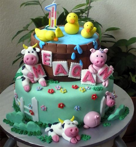Farm Animals Meagan Cake by specialcakes/tracey, via Flickr