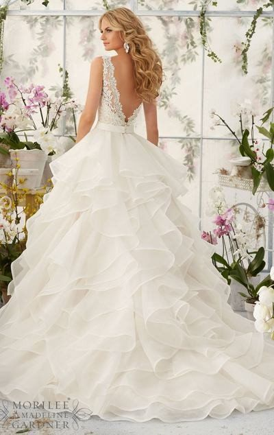 L112 Sexy V Neck Lace Top Wedding Dresses, Charming Layers Wedding Dresses, Vintage Wedding Dress