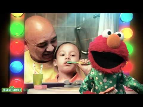 Elmo is joined by families and some of his celebrity friends including Bruno Mars, David Hyde Pierce, Nicole Kidman, Amy Ryan, Wendy Williams, Jay Sean, Naomi Watts and Liev Schreiber as he sings a song about the importance of brushing your teeth as part of Sesame Street's newest oral health initiative Healthy Teeth, Healthy Me. Learn more at: w...