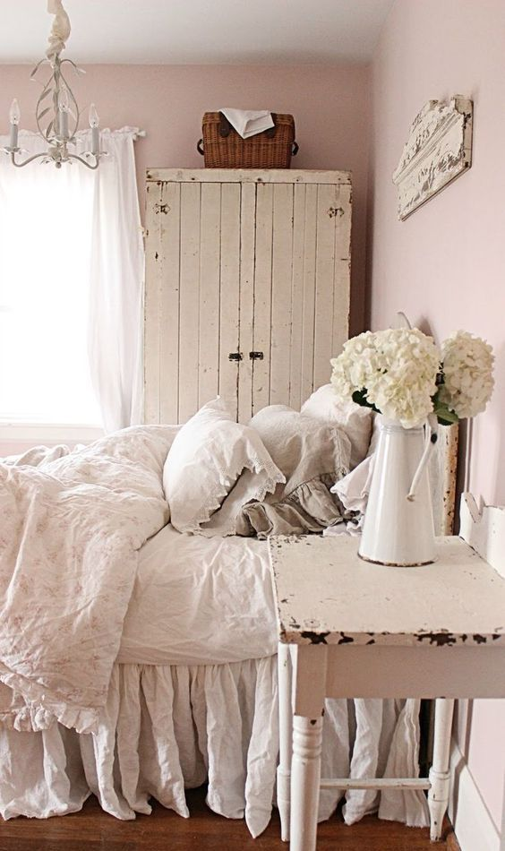 1220 best images about vintage home decor on pinterest brocante cottages and shabby - Pinterest Home Decor Bedroom
