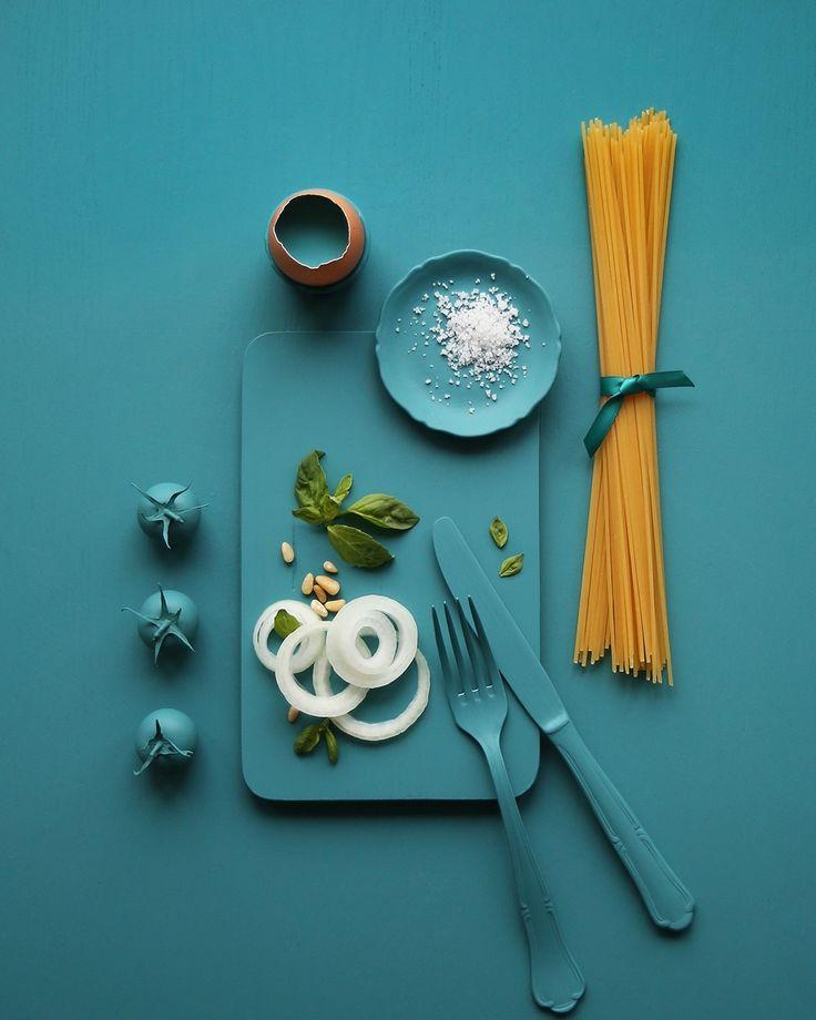 Les 25 meilleures id es de la cat gorie deco bleu canard for Deco canape bleu canard