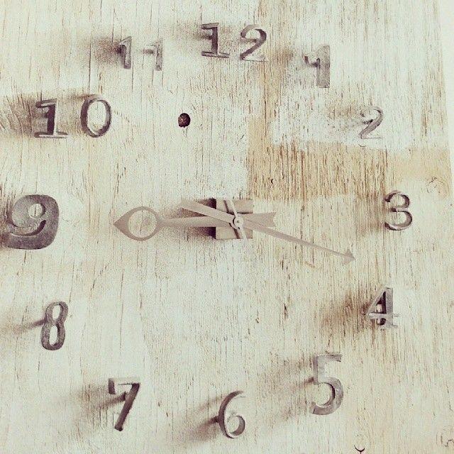 Coming soon.. #leuk #Collingwood #clock #metal #distressed #wood #leukbijhermas