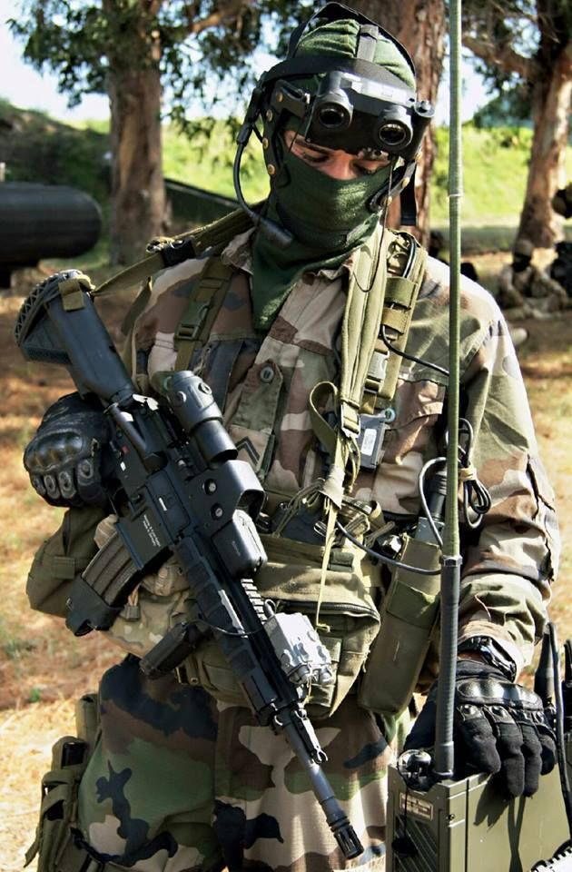 Operator of the French special forces unit 13e RDP (13th Parachute Dragoon Regiment) [630x960]