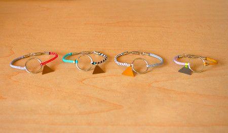 (236) AOM : サークル編みブレス | Sumally (サマリー)サークル 編み, 編み ブレス, Jewelry, Crafts Inspiration, Crafts Kits, Aom サークル, 236 Aom