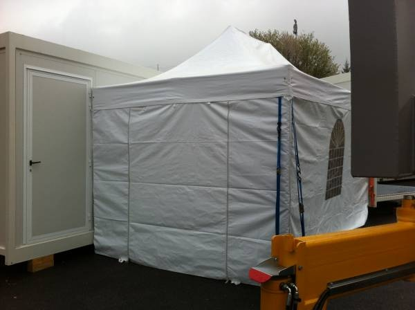 tente de reception 4.5 mètres x 3 mètres