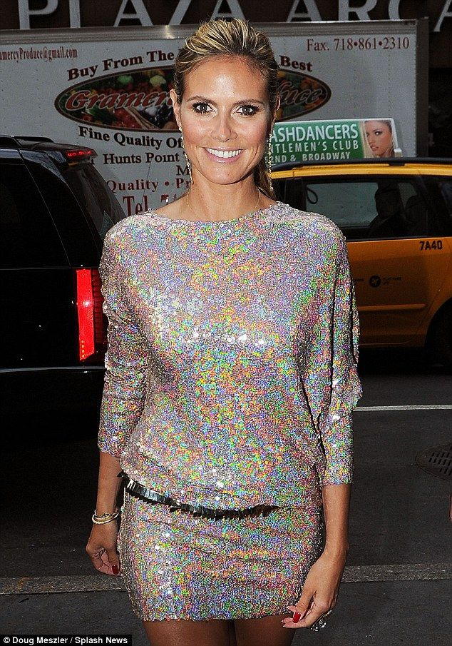 Heidi Klum - LOVE this dress and her makeup