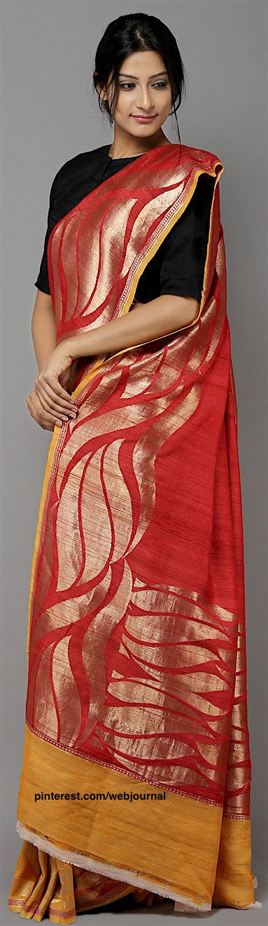 Handwoven Banarasi Georgette saree from theloom.in