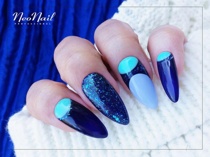 """Granatowe paznokcie hybrydowe / Star Glow / NeoNail / <a href=""""https://www.neonail.pl/inspiracje/niebieski-manicure.html"""">✨Sprawdź produkty✨</a>"""