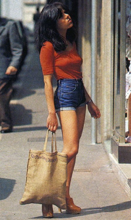Girls in '70s denim fashion                                                                                                                                                      More