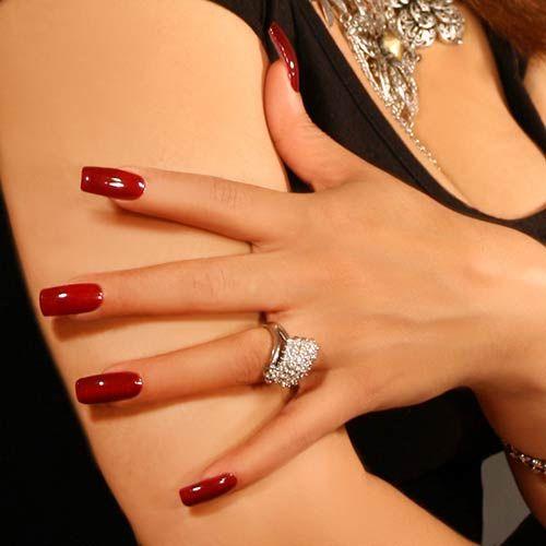 Ongles longs vernis (rouge - bordeaux)