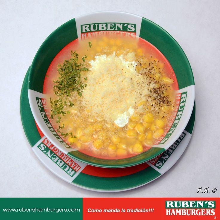 ¿Ya probaste nuestra deliciosa sopa de Elote? Es un plato delicioso que no te puedes perder! #Menú #RubensHamburgers