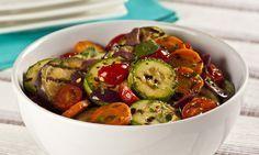 Salada de legumes grelhados com molho cremoso