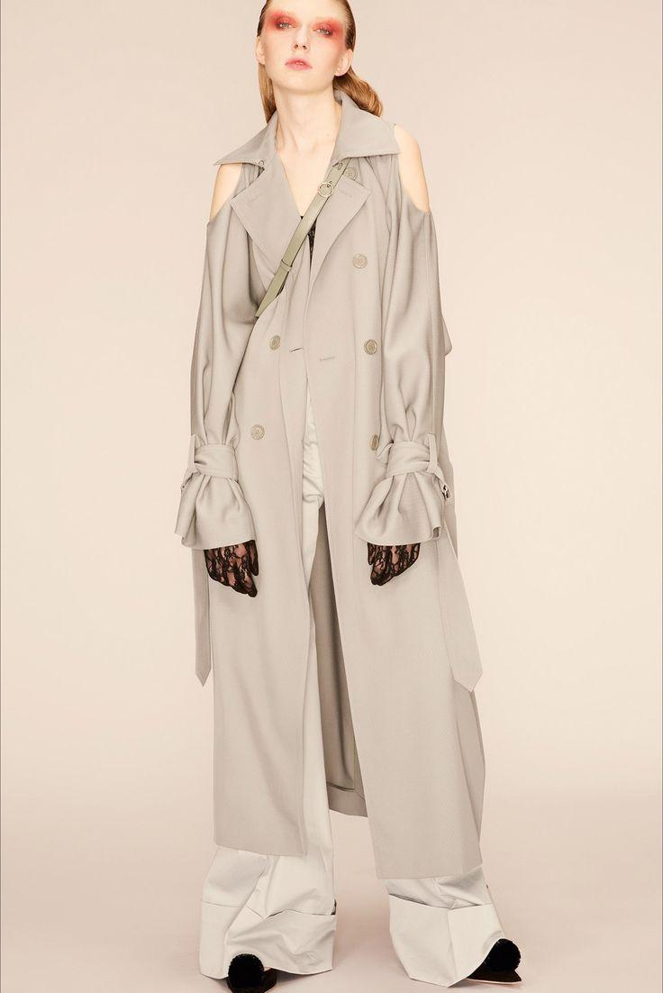 Sfilata Nina Ricci Parigi - Pre-collezioni Primavera Estate 2018 - Vogue