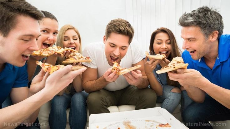 98% Of college students will divulge their friends' emails for a piece of PIZZA – NaturalNews.com