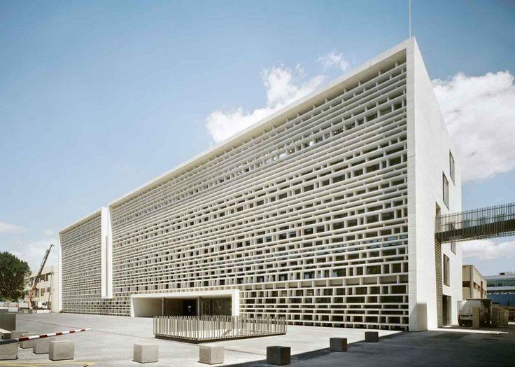 Campus de Vera de la Universidad Politécnica de Valencia - Doesn't it look like a cardboard structure?
