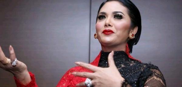 Ketiak Dikomentari Netizen, Krisdayanti 'Murka'