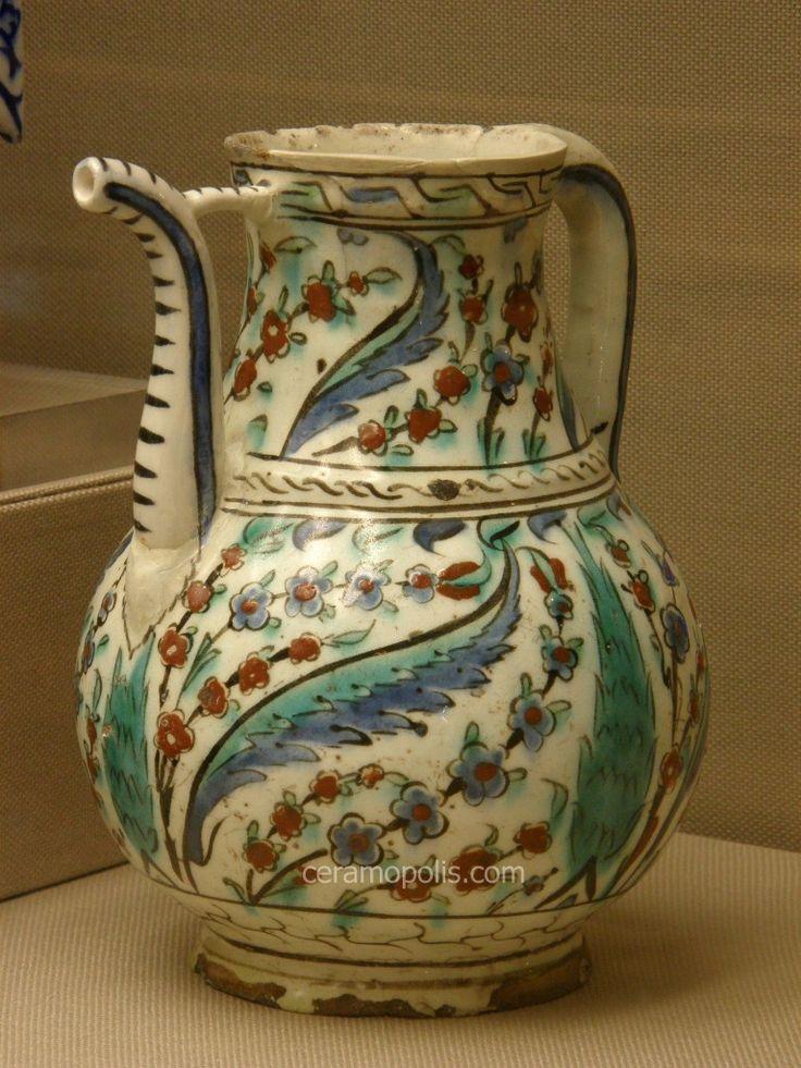 Iznik Jug – Flowers Iznik 17th – Benaki Islamic Museum Athens Greece