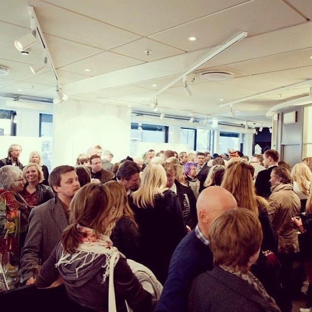 @gallerifinearts photo: Fullt hus og fantastisk stemning på utstillingsåpning i går! #unniaskeland #munchadopsjoner #munch #gallerifineart