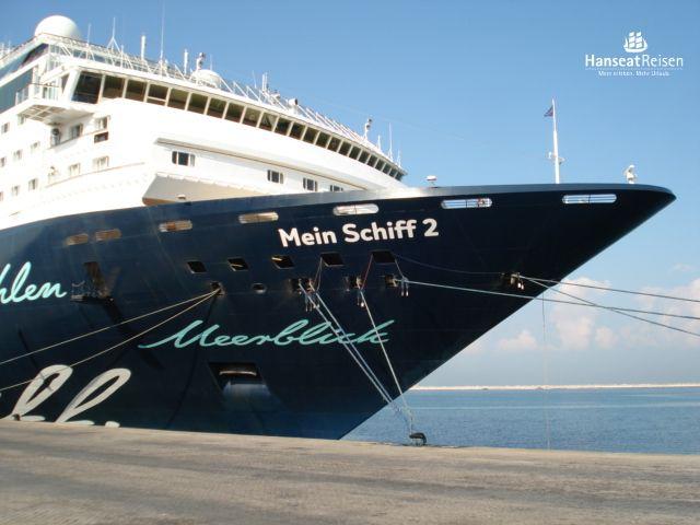Die schöne MEIN SCHIFF 2 lädt bei bestem Wetter zur Seereise ein (Bild S. Raguse) #Hanseatreisen #Urlaub #MEINSCHIFF #Kreuzfahrt #Schiff #Meer