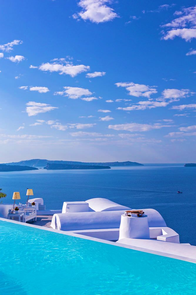 The Katikies Hotel is famous for its luxury and incomparable services, warm and romantic atmosphere, which blend harmoniously in the breath-taking natural setting of Oia Santorini.