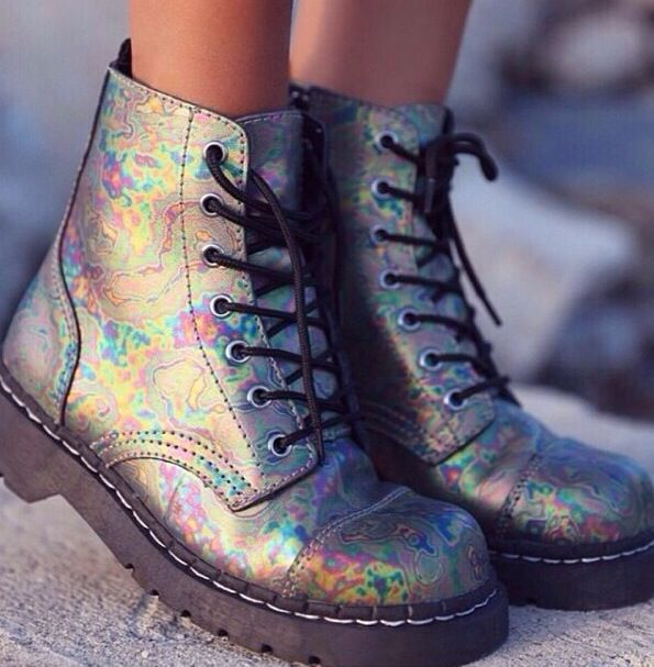 Holographic boots need to get in my life x