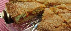 Linzenvlaai; Een klassieke Limburgse vlaai van een soort koekjesdeeg ,gevuld met jam.