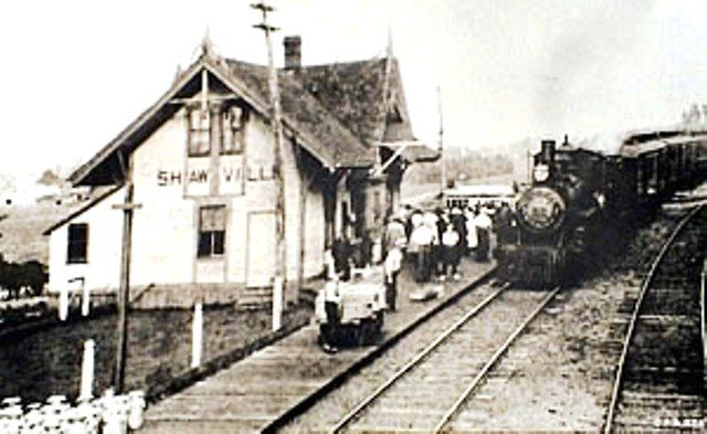 SHAWVILLE, Québec - Pontiac Pacific Junction Railway, or the Push Pull & Jerk PPJ railway station-gare historic