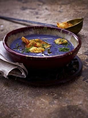 Das Rezept für Blaue Kartoffelsuppe mit Dill und Kartoffelchips und weitere kostenlose Rezepte auf LECKER.de
