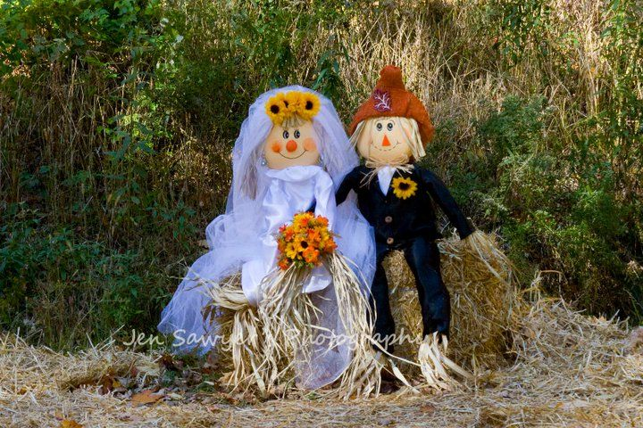 scarecrow bride and groom