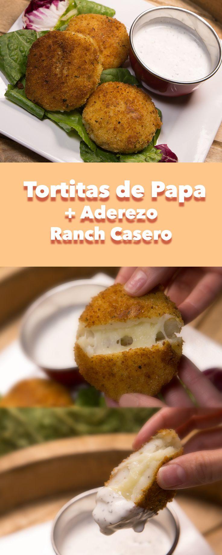 """Tortitas de papa con queso jalapeño, acompañadas de in rico aderezo ranch casero!!  para ver la receta complete, visita nuestro canal de youtube """"novateando en la cocina"""""""
