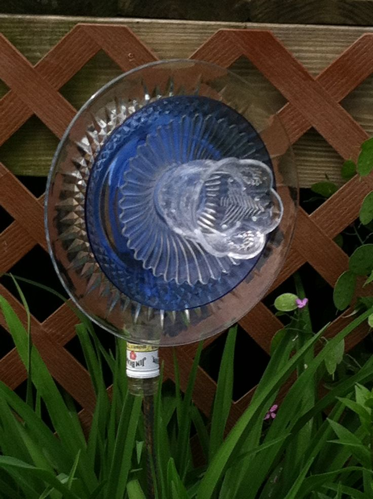 17 best images about my garden plates on pinterest for Recycled glass art projects