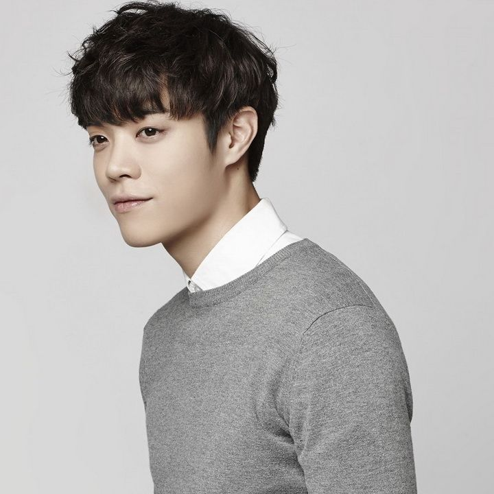 """Eddy Kim (Kim Jung Hwan)"" is a South Korean singer, songwriter and guitarist. He is known as the one of the Top 6 finalists of Mnet's Superstar K4."