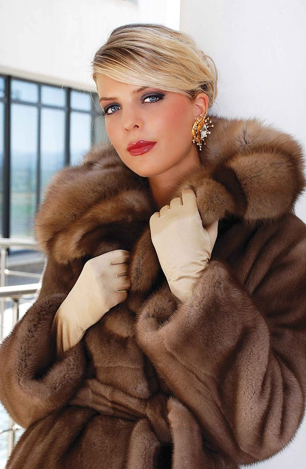 5637 best FUR images on Pinterest | Furs, Fur fashion and Fur coats