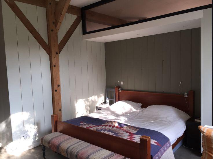 Bed beams wood wall
