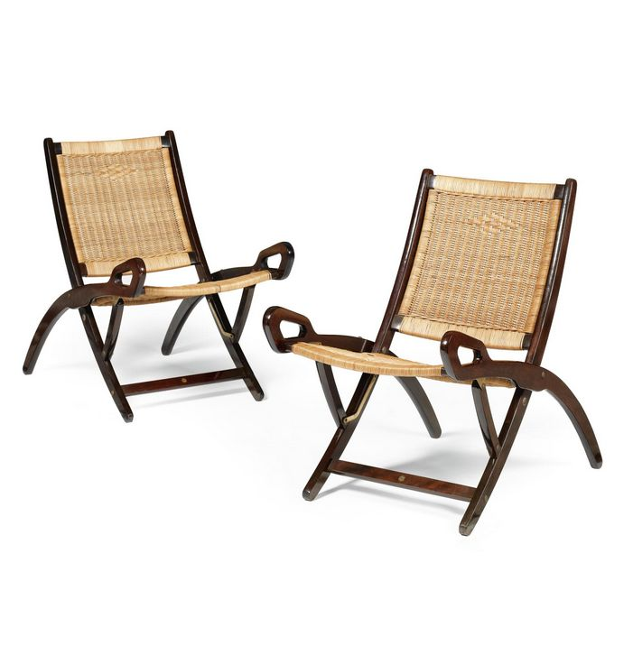 Gio ponti stained beech cane and brass folding chairs for Reguitti mobili da giardino