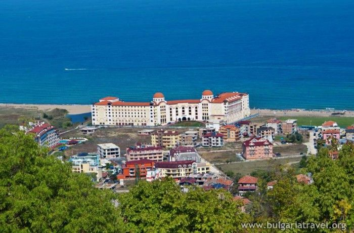 """#Obzor is a fantastic place for a holiday that involves accommodation within private houses and not so """"commercial"""" holiday! Find here The Best rates for transfer to Obzor: 16GBP with #BulgariaTransfers ⤵"""