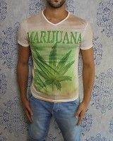 Marijuana tee €14,95 #urban #marijuana #weed #weeds #chronic #smoking #jonko #joint #indoor #indoweed #marijuanatee #tshirt #fashion #mensfashion #clothing #tee #dope #dopedfashion