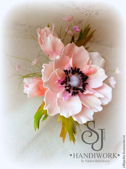 Крупная и невесомая брошь ручной работы роза выполнена из ФОМ ЭВА - 'ФОАМИРАН'…