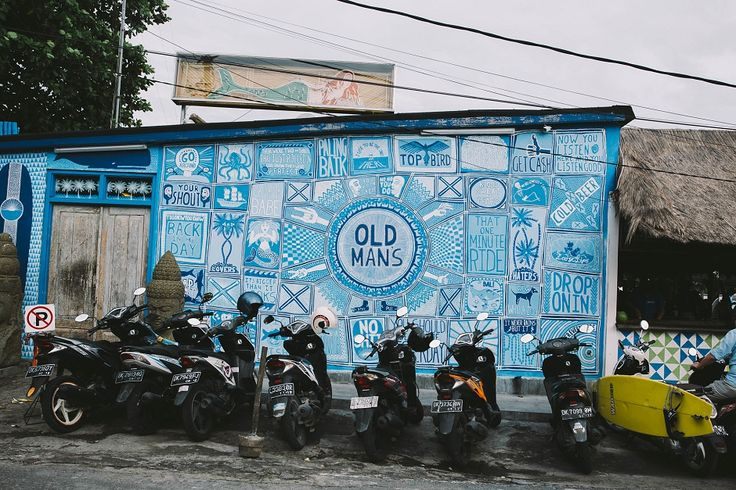 Old Man's is the prime spot in Canggu just to spend your weekend and grab a refreshing beer  with beach-front view