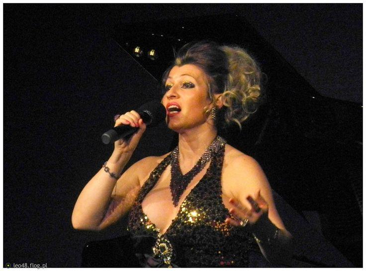 Nina Nowak uznana na arenie międzynarodowej śpiewaczka operowa . Więcej na stronie artystki Niny Nowak >> www.NinaNowak.eu