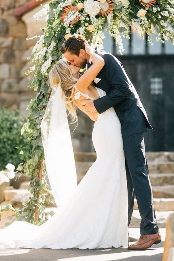 20 Romantic Wedding Kiss Photos Of All Time Romantic Wedding Photos Wedding Kiss Wedding Picture Poses