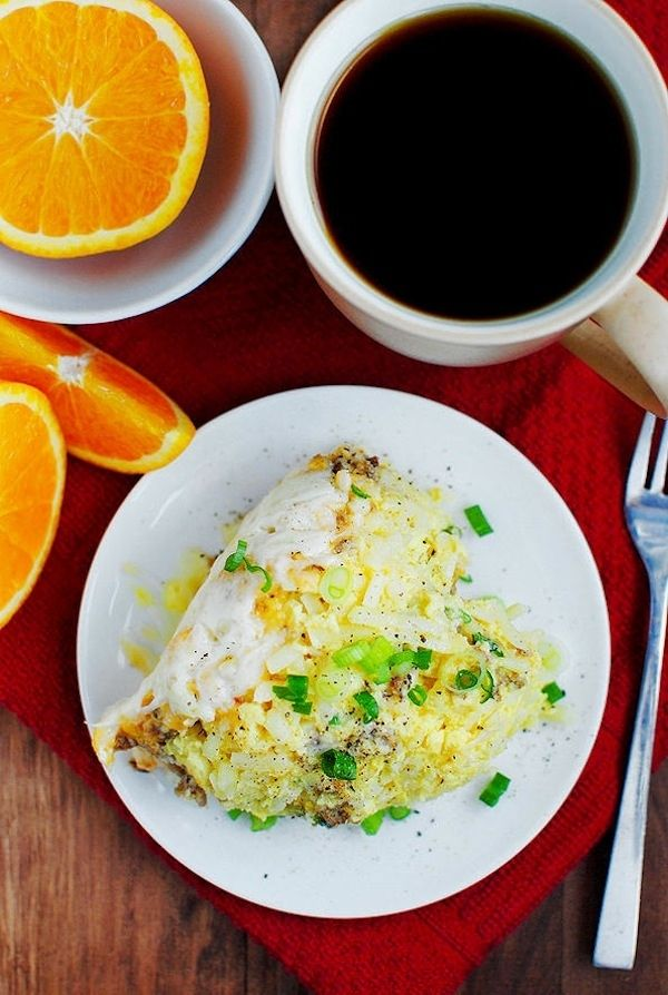 Make an egg casserole in a crock pot. | 25 Easy Breakfast Hacks To Make Your Morning Brighter