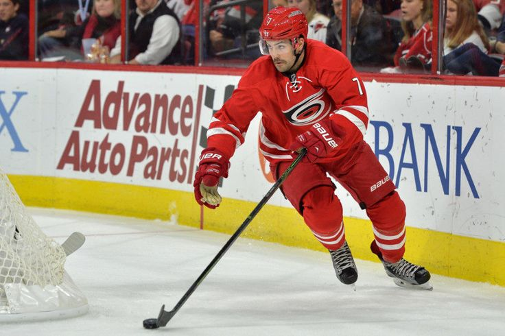 Dreger: 'At least three teams' interested in acquiring Hurricanes' Murphy = 23-year-old defenseman Ryan Murphy has found his name in the NHL trade rumor mill lately, and Insider Darren Dreger was able to shed a little bit more light into the situation Tuesday afternoon while on Vancouver's TSN 1040. Just how serious are.....