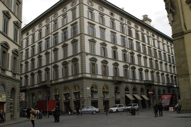 the building in Via Roma Firenze www.florencewithaview.com