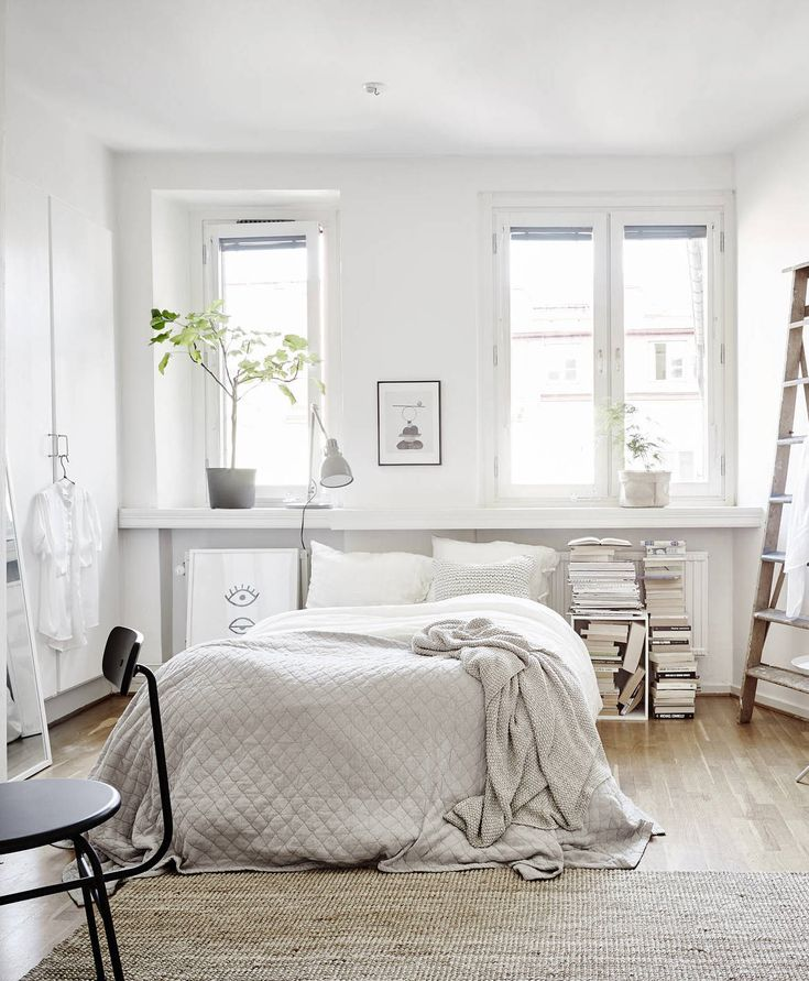 17 Best Ideas About Small White Bedrooms On Pinterest