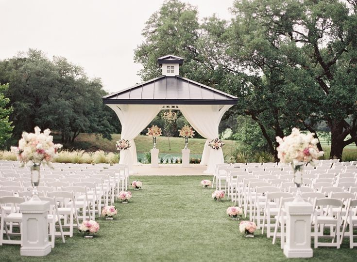 Elegant outdoor Texas ceremony: http://www.stylemepretty.com/texas-weddings/boerne/2015/09/03/romantic-hill-country-wedding/ | Photography: Mint Photography - http://mymintphotography.com/