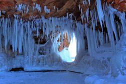 Verbaas je over de ijsgrotten (Ice Caves)