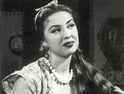 Camellia (Egyptian actress). Camelia or Liliane Levy Cohen, the most famous Egyptian actress during the 40's. Some people said that she was in a relationship with King Farouk and when they broke up, she had tried to commit suicide before she died in a mysterious plane accident at the end of the summer of 1950.
