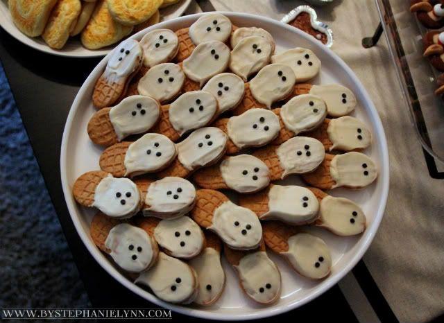 Super Easy Treats for My Simple Halloween Dessert Table - My Tuesday {ten} No.20 - bystephanielynn